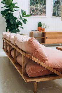 The Dreamer sofa in pink velvet from Pop & Scott -