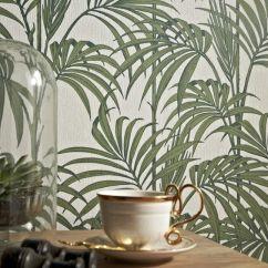 Papier peint Honolulu Vert palmier par Graham and Brown - grahambrown.com