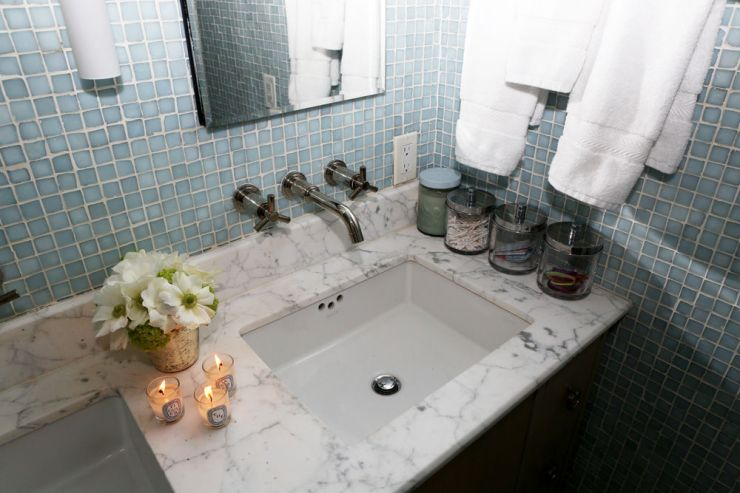 Inside Karlie Kloss' bathroom - intothegloss.com
