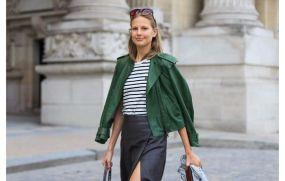 Nautical print top + leather skirt + moto jacket Streetlooks Fashion Week / Paris - glamourparis.com