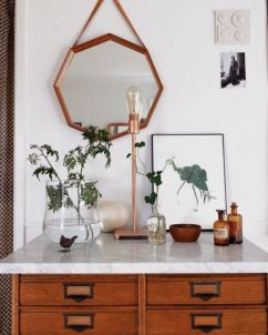 Interieur [ Assortiment ] - De spiegel - De lamp - De schilderij - thatkindofwoman.tumblr.com