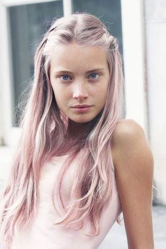 Pink Hair - vestiairecollective.com