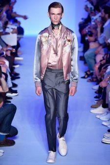 Louis Vuitton Spring 2016 Menswear Fashion Show Details - vogue.com