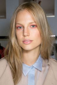 Pink Smoky Eye : Burberry Prorsum Spring 2014 - Backstage - livingly.co