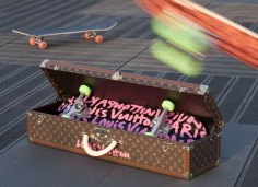 Skateboard Louis Vuitton - dramafever.com