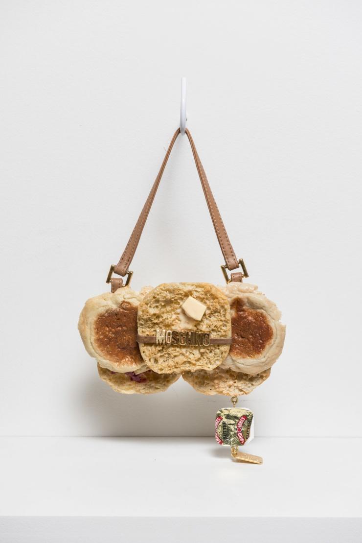 Moschino English Muffin - chloewise.com