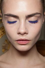 Cara Delevingne blue lashes – zhooey.com