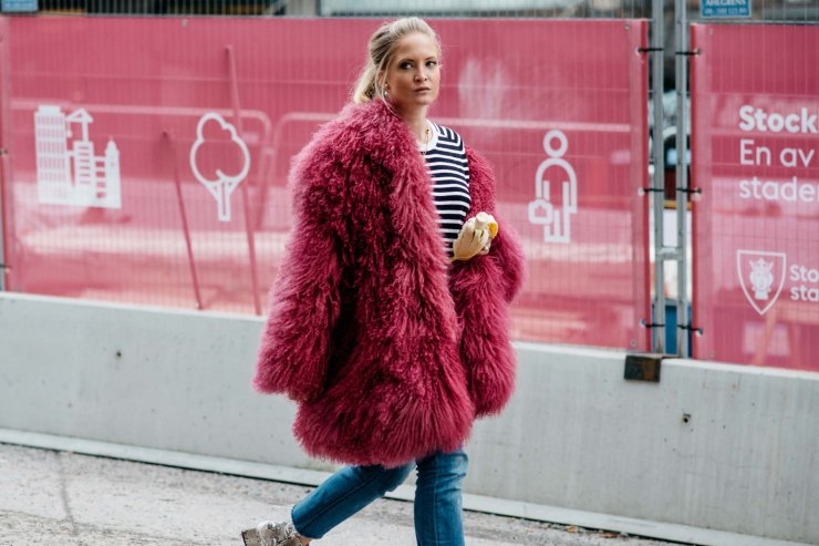 Stockholm fall 2016 street style - Pink fur - vogue.com