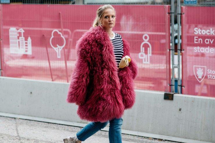 Stockholm fall 2016 street style - Pink fur - vogue.com