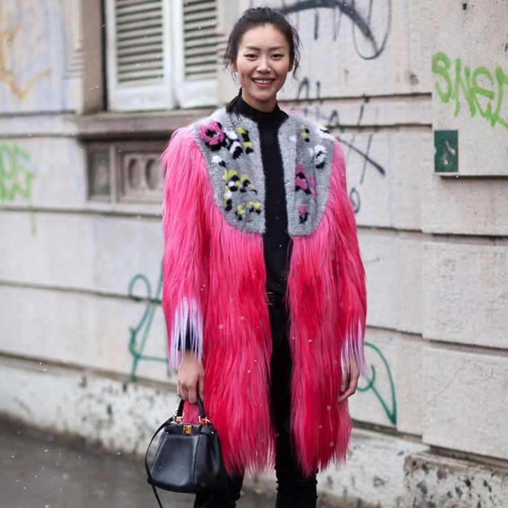 Candy Floss Fur - Milan street style pink fur / fourrure rose - fashionedited.wordpress.com