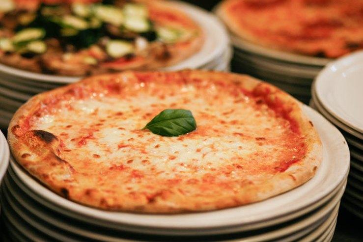 Pizzeria Fabbrica con cucina - lafabbricapizzeria.it