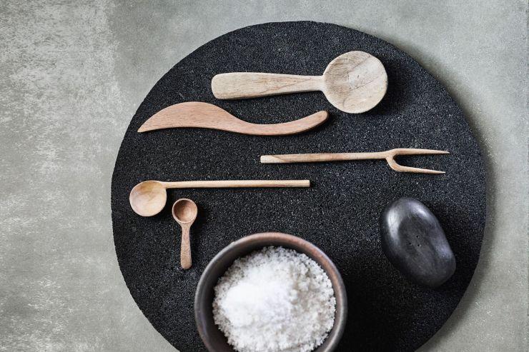 Cuillère et fourchette à olives, couteau à beurre et cuillère large en teck, Muubs chez Lovecreativepeople.com