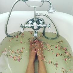 Instagram @hillarylibby