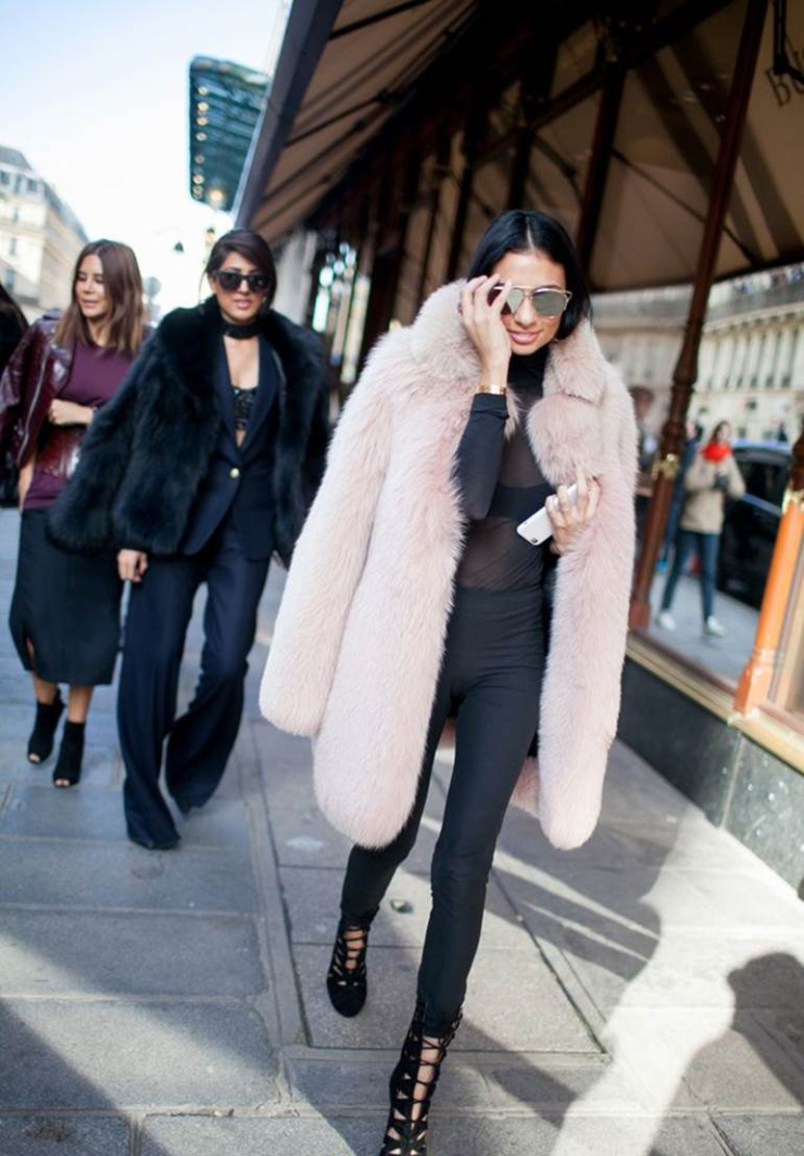 Street style - pink fur - fourrure rose - modedeville.com