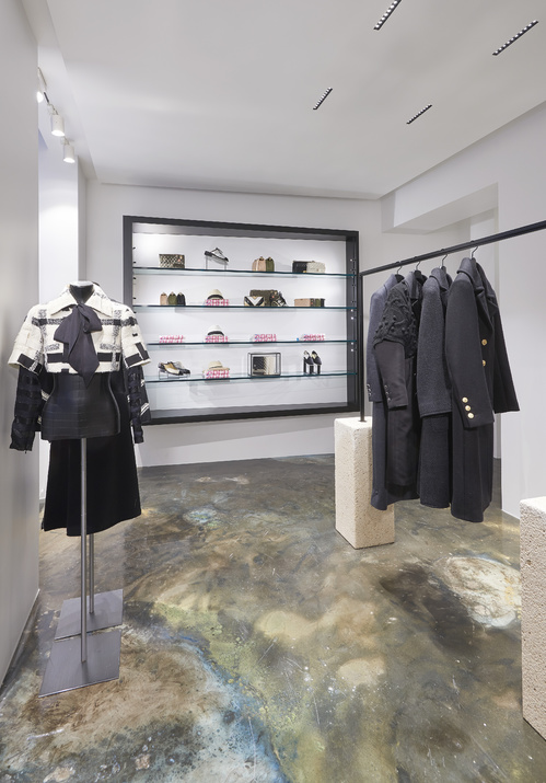 Chanel Marais - boutique ephemere - 47 rue vieille du temple 75004 Paris - Photo Olivier Saillant - vogue.fr