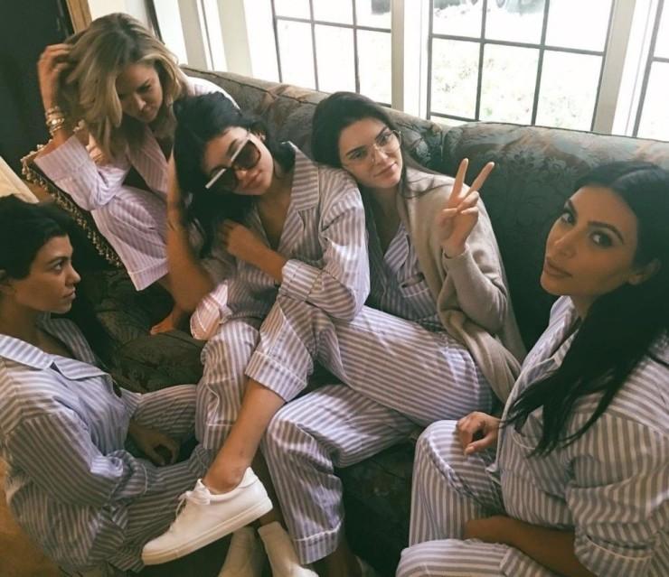 How to throw a pyjama party like Kim Kardashian West - vogue.com.au