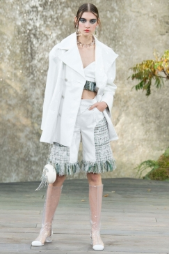 Chanel SS 18 - vogue.fr